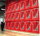 Oben: Liam Gillick · Texte court sur la possibilité de créer une économie de l'équivalence, Palais de Tokyo 2005