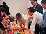 Manager beim Spiel mit LEGO SERIOUS PLAY, 2004, © LEGO Group, Kopenhagen