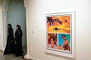 Tracey Moffatt · zeigt die «Aventure Series» mit heissen und sexuellen Comicbilder und dies in einem arabischen islamischen Staat. Alle Aufnahmen Michael von Graffenried, Zürich/Paris, für Moffatt © ProLitteris Zürich