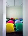 Gerwald Rockenschaub · Ohne Titel (funky minimal), 1998, PVC-Folie, je 110 x 110 x 70 cm, Courtesy Galerie Vera Munro, Hamburg