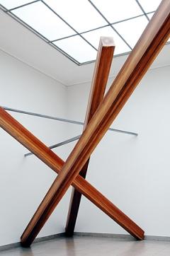 Markus Müller · Ohne Titel (Balken) 2006, Detail, Öl auf Sperrholz/Acryl auf Holz, Rauminstallation, Copyright ProLitteris