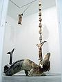 Huang Yong Ping · La pêche, 2006, Glasfaser, Tierhäute, Holz, Bambus, Eisen, 475 x 250 x 230 cm, Courtesy Anne de Villepoix, © ProLitteris