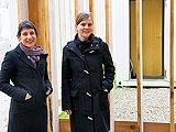 Caroline Eggel und Christiane Rekade vor dem Green Light Pavilion, Foto: Barbara Rüdiger, Wien
