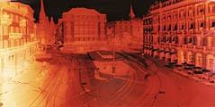 Andrea Good · Zürich Paradeplatz, 27.7.06, Farbpapier, 183 x 390,5 cm
