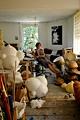Isabelle Krieg (*1971 in Freiburg CH), lebt und arbeitet zurzeit in Zürich. 1993-98 Vorkurs und Grundstudium Visuelle Kommunikation an der HGK Luzern; 1999-2003 Aufenthalt in Berlin; 2003-04 Atelier des Schweizerischen Instituts in Rom; 2005-07 Atelier der Stiftung Binz39, Zürich.