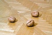 Three Walnuts, 2006, Kirschholz, 13 x 17 x 13 cm, Edition 3 + 1 AP, Courtesy die Künstlerin und Galerie Tschudi, Glarus