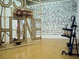 Ausstellungsansicht: Tom Ellis · Abuse Machine, 2006 (links), Marc Bijl · Dark Romanticism, 2004/07 (Mitte), Stefan Burger · Ohne Titel (rechts), © Kunsthalle Winterthur