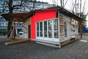 FOLKE KÖBBERLING und MARTIN KALTWASSER · Shedhalle Satellit, Termporärer Pavillon auf dem Werdplatz Zürich (19.10. bis 19.1.), © ProLitteris, Zürich