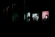 Untitled, 2007 Dia-Show mit vier Dia-Projektoren, per Computer gesteuert, mit 50 Fotografien; Teil von The Process VI Einzelausstellung im Swiss Institute New York