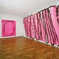 Renée Levi · Ani, 2008, Acryl auf Leinwand (2x) 280 x 230 cm, Courtesy Galerie Evergreene, Genf Ephemeer, 2008, Acryl auf Dispersion auf Wand 375 x 900 cm, Ausstellungsansicht Kunstmuseum Thun.? Foto: Annik Wetter