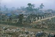 Jeroen de Rijke, Willem de Rooij · Bantar Gebang, Bekasi, West Java, 2000, Produktionsfoto, Courtesy Daniel Buchholz, Köln, Berlin