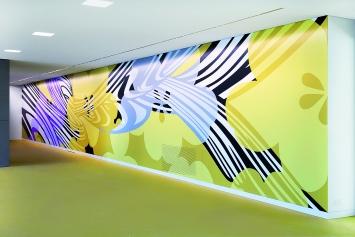 Wandmalerei, 2019, Mixed Media direkt auf der Wand, 300x4000m, Raumansichten, Neues Bildungszentrum Uster, Courtesy Kunstsammlung Kanton Zürich.Foto: Frank Wurzer