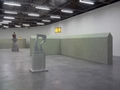 Valentin Carron . Fructus, 2010, Polystyrene, Fiberglas, Acrylharz, Acrylfarbe, 190 x 80 x 66 cm, Courtesy Galerie Eva Presenhuber, Zurich.