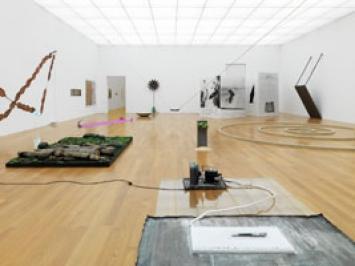 Che Fare?, 2010, Ausstellungsansicht Kunstmuseum Liechtenstein