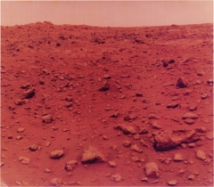 NASA, Viking Lander 1, First Colour Photo Taken on Mars, 21 Juillet 1976, 61 x 69,9 x 0,5 cm, Courtesy Daniel Blau, München