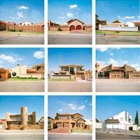 Christian Flierl · Aus der Serie Soweto: revisited, 2009, Across the street, renovated houses, tableau, Lambdaprints auf Aluminium, 50 x 50 cm, gerahmt ©ProLitteris