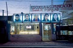 Juan Castillo · Lichtfelder, 2010, Multimedia-Installation, Fotografie, Video, Graffiti, Licht, variable Masse. © ProLitteris