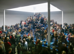 Cyprien Gaillard · The Recovery of Discovery, 2011, Pappe, Glas, Metall, Bier, ca. 12 x 8 x 4,25 m. Foto: anna.k.o.
