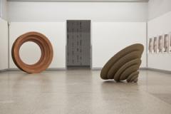 Andrea Wolfensberger · Ausstellungsansicht, 2011. Foto: Werner Hannappel