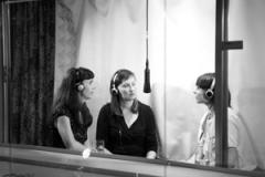 Françoise Caraco, Sabine Hagmann, Romy Rüegger (v.l.n.r.), Talktalk, Sprachperformance im Kiosk Keck. Foto: Lee Li