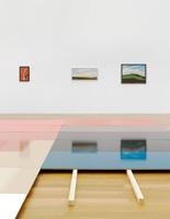 Ausstellungsansicht Beispiel Schweiz, 2011, mit Adrian Schiess, Flache Arbeiten, 1987-90, und Hans Emmenegger, Gemälde. Foto: Stefan Altenburger