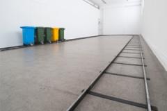 Ciprian Mureşan · Recycled Playground, 2011, Ausstellungsansicht, FRAC Champagne-Ardenne. Foto: Martin Argyroglo