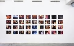 Jules Spinatsch · Vienna MMIX-17352/7000/36 Édition, 2009, Édition de 36 tirages couleur et 1 diagramme temporel, impressions jet d'encre sur papier photo semi-mat, 31,7 x 42 cm, Court. Galerie Luciano Fasciati, Coire et Blancpain ArtContemporain, Genève