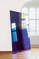 Raphael Hefti · Substraction as Addition, 2011, Glas mit mehrfach beschichteter Antireflexglasbeschichtung, je 2 x 3 m, Installationsansicht Camden Arts Centre, London
