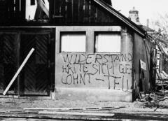 Gilles Aubry und Yves Mettler · Sprayerei anlässlich des ‹Tell›-Abbruchs 1981in Langenthal, aus dem Archiv des Langenthaler Tagblatts