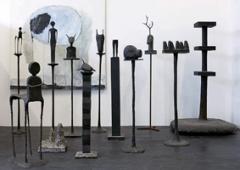 Trudi Demut · Tische, Skulpturen, Gemälde / Otto Müller ·Köpfe, Reliefs. Fotos: Ralph Baenziger