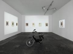 Valentin Carron · Ciao Nr 4 (Nero), 2012; Grisélidis Réal, Wandarbeiten. Foto: Annik Wetter