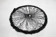 Zilvinas Kempinas · Fountain, 2011, Magnetband, Ventilator, rostfreier Stahl, Courtesy Galerie Yvon Lambert, Paris, und Galerija Vartai, Vilnius. Foto: Daniel Spehr