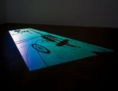 Paul Chan · 1st Light, 2005, Installationsansicht, Courtesy Greene Naftali, New York. Foto: Jean Vong