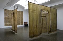 Heidi Bucher · Ausstellungsansicht CCSP, 2013. Foto: Marc Domage