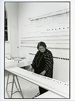 Pierrette Bloch in ihrem Atelier, Paris, 2002 ©ProLitteris. Foto: Adam Rzepka