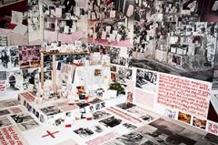 Anna Oppermann · Der ökonomische Aspekt, 1979-1984, Installationsansicht, The Imminence of Poetics, 30th São Paulo Biennial, 2012, Courtesy Galerie Barbara Thumm, Berlin. Foto: Nici Wegener