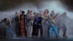 Bill Viola Tempest (Study for The Raft), 2005 High-Definition Video, Farbe, Flachbildschirm 109 x 66 x 10.2 cm, 16:50 Minuten Foto: Kira Perov © Bill Viola Studio