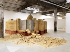 Huang Yong Ping · Banque de sable, sable de banque, 2014 ©ProLitteris Foto: André Morin
