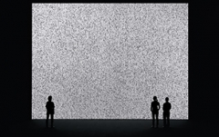 Ryoji Ikeda, data.tron, audiovisuelle Installation, 2007, Courtesy of YCAM. Foto: Ryuichi Maruo