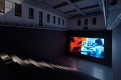 Lucy Raven · Curtains, 2014, Raumansicht Portikus Frankfurt/M. Foto: Helena Schlichting