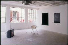 Jonathan Monk · My Last Cigarette, 1997, Ausstellungsansicht CAN. Foto: Joël von Allmen