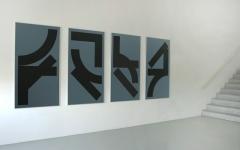 Gottfried Honegger · Hommage à Ken Saro-Wiwa, 1996, Serie von 4 Serigrafien, 170x91cm, je 4/12, FNAC, Dépôt du Centre national des arts plastiques, Espace de l'Art Concret, Donation Albers-Honegger