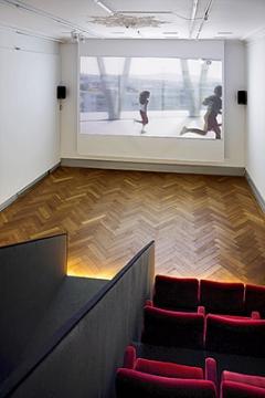 Filmbau: Schweizer Architektur im bewegten Bild, 2015, Ausstellungsansicht, SAM. Foto: Tom Bisig