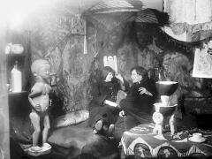 Ernst Ludwig Kirchner · Erna Schilling und Ernst Ludwig Kirchner im Atelier Berlin Wilmersdorf, Durlacher Strasse 14, um 1912/14, Courtesy Kirchner Museum Davos