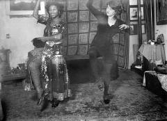 Ernst Ludwig Kirchner · Nelly und Sidi Heckel (Riha) im Atelier von Erich Heckel, Dresden, um 1910/11, Courtesy Kirchner Museum Davos