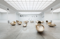 Lutz Bacher · More Than This, 2016, Secession Wien. Foto: Oliver Ottenschläger