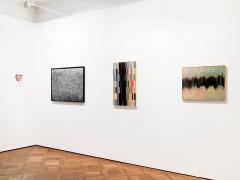 Heather Dewey-Hagborg (links), Susan Morris (rechts) · Installationsansicht Scheublein+ Bak, Zürich, 2016