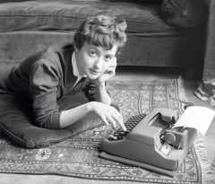Sabine Weiss · Françoise Sagan, Paris, 1954, Schwarzweissfotografie