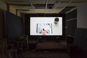 """Françoise Caraco,Der Kaufmann Caraco, 2017,Video, HD 16:9, Zeitdauer 10' 48"""", Loop, Farbe und Schwarz-Weiss, Ton, Foto. Dominik Zietlow"""