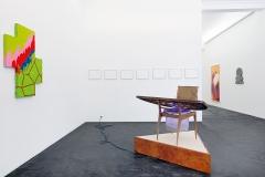 Raphael Hefti, Gary Kuehn, Mary Heilmann und Renato Leotta (v.l.n.r) · Jubiläumsausstellung Häusler Contemporary Zürich. Foto: Mischa Scherrer